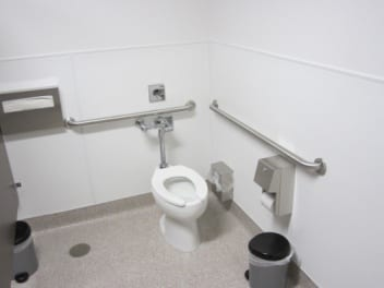 Commercial toilet installation